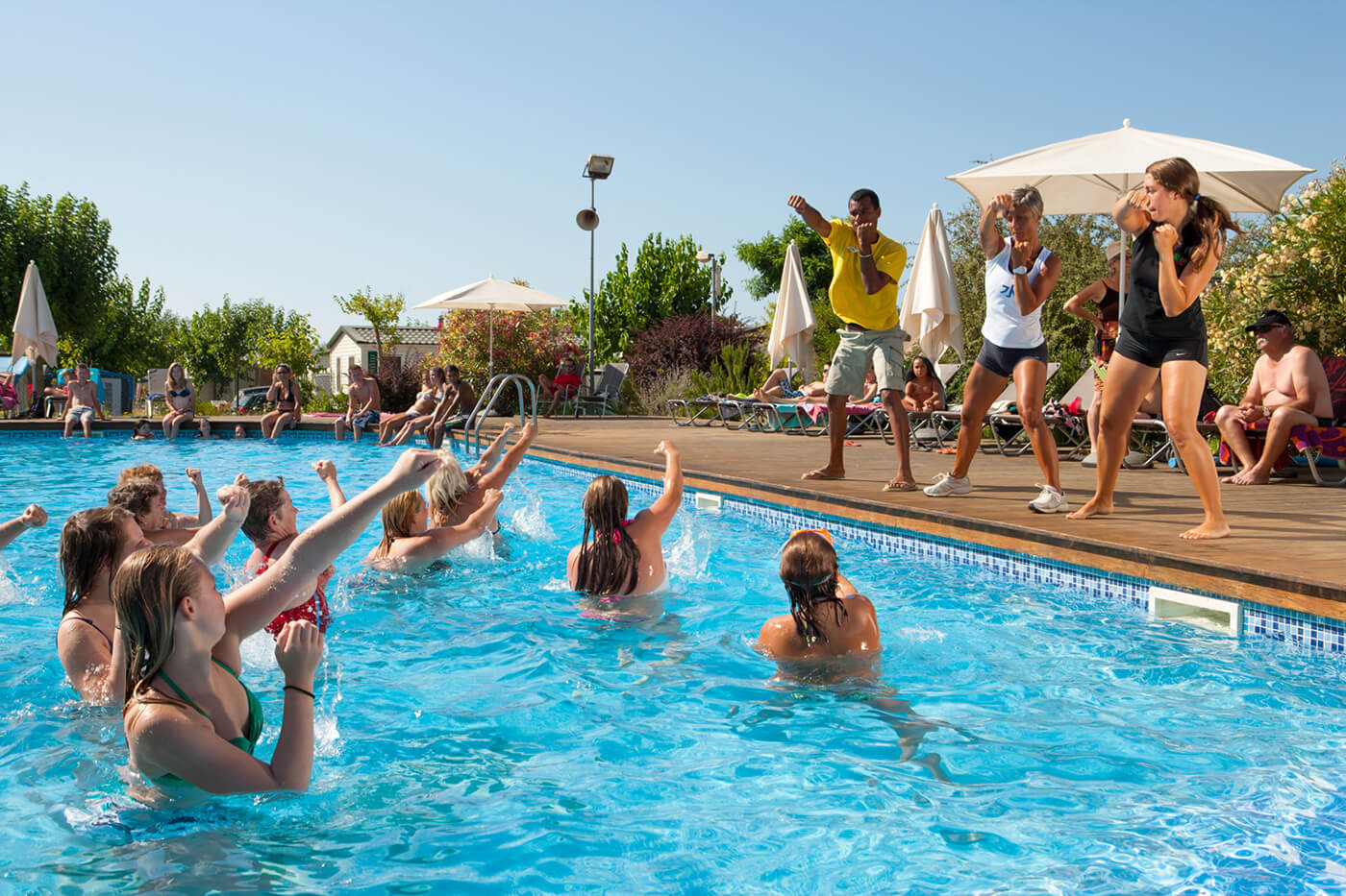 Campsite with swimming pool. Water sports and activities. Aquagym