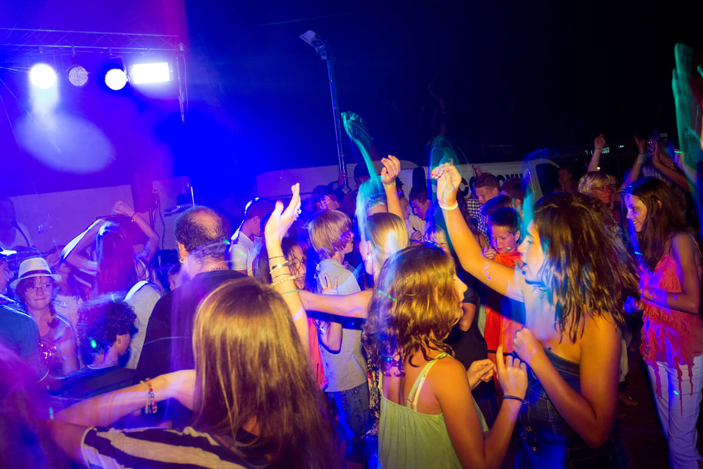 Campsite in Blanes with parties and shows