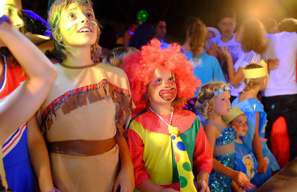 Fancy dress parties for the whole family. Shows for children. Fun guaranteed in our campsite